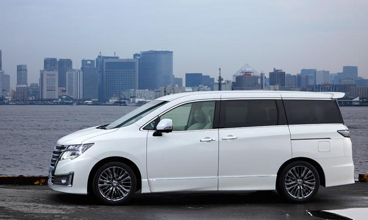 New Nissan Elgrand photo: Rider Side image 2