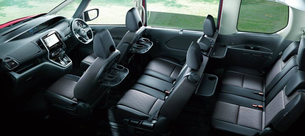 New Nissan Serena Highway Star Interior picture, Inside ...