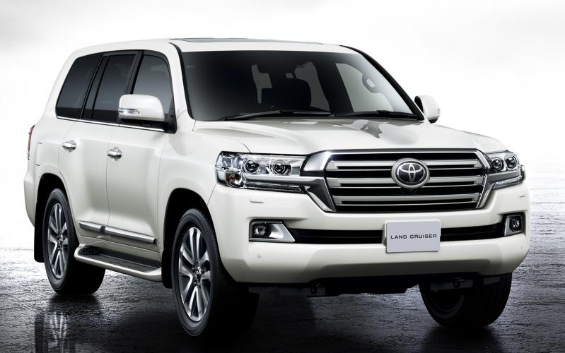 New Toyota Land Cruiser-200 photo: Front view