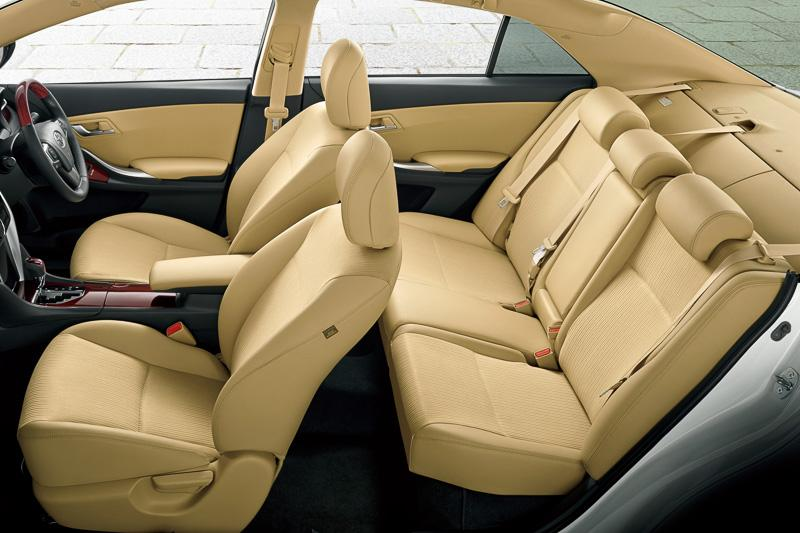 New Toyota Premio photo: Interior image