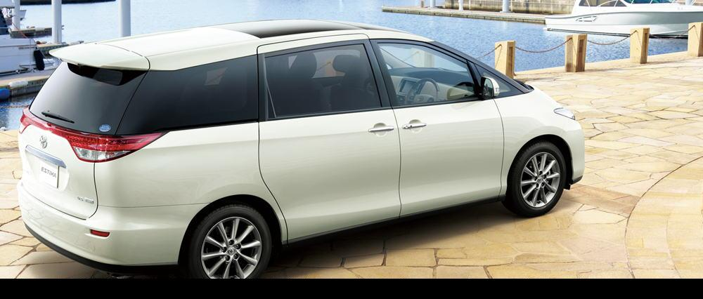 New Toyota Estimar: Rear view 2