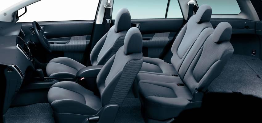 New Nissan Wingroad photo: Interior view