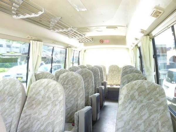 Mitsubishi Rosa used Bus pictures: 2004 model, Beige color, Interior (seat) photo