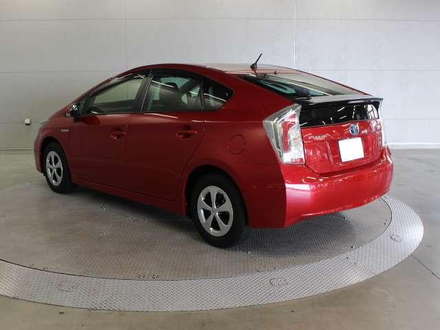 Used Toyota Prius Pictures 2015 Model Red Color Photo