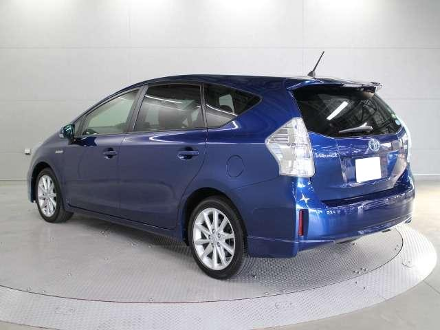 Used Toyota Prius >> Used Toyota Prius Alpha 2013 model Dark Blue color photo, image, picture