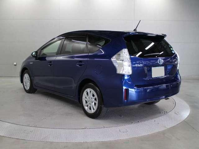 Used Toyota Prius >> Used Toyota Prius Alpha 2014 model Dark Blue color photo, image, picture